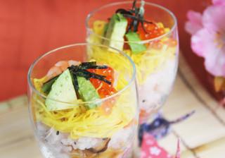 ひなまつりパーティーに♪かわいいカップ寿司♥
