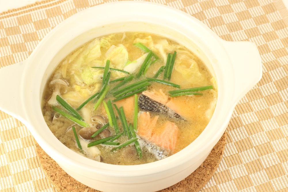 鮭みそバター鍋