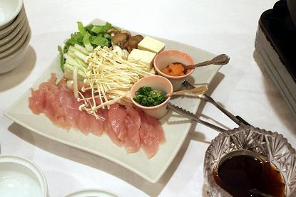 はいさーい!!沖縄調味料や~ 赤マルソウ一年生です 。(。`・з´・)ゞ。o