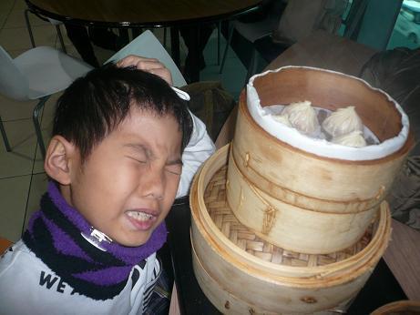 はいさーい!!沖縄調味料や~ 赤マルソウ一年生です 。(。`・з´・)ゞ。